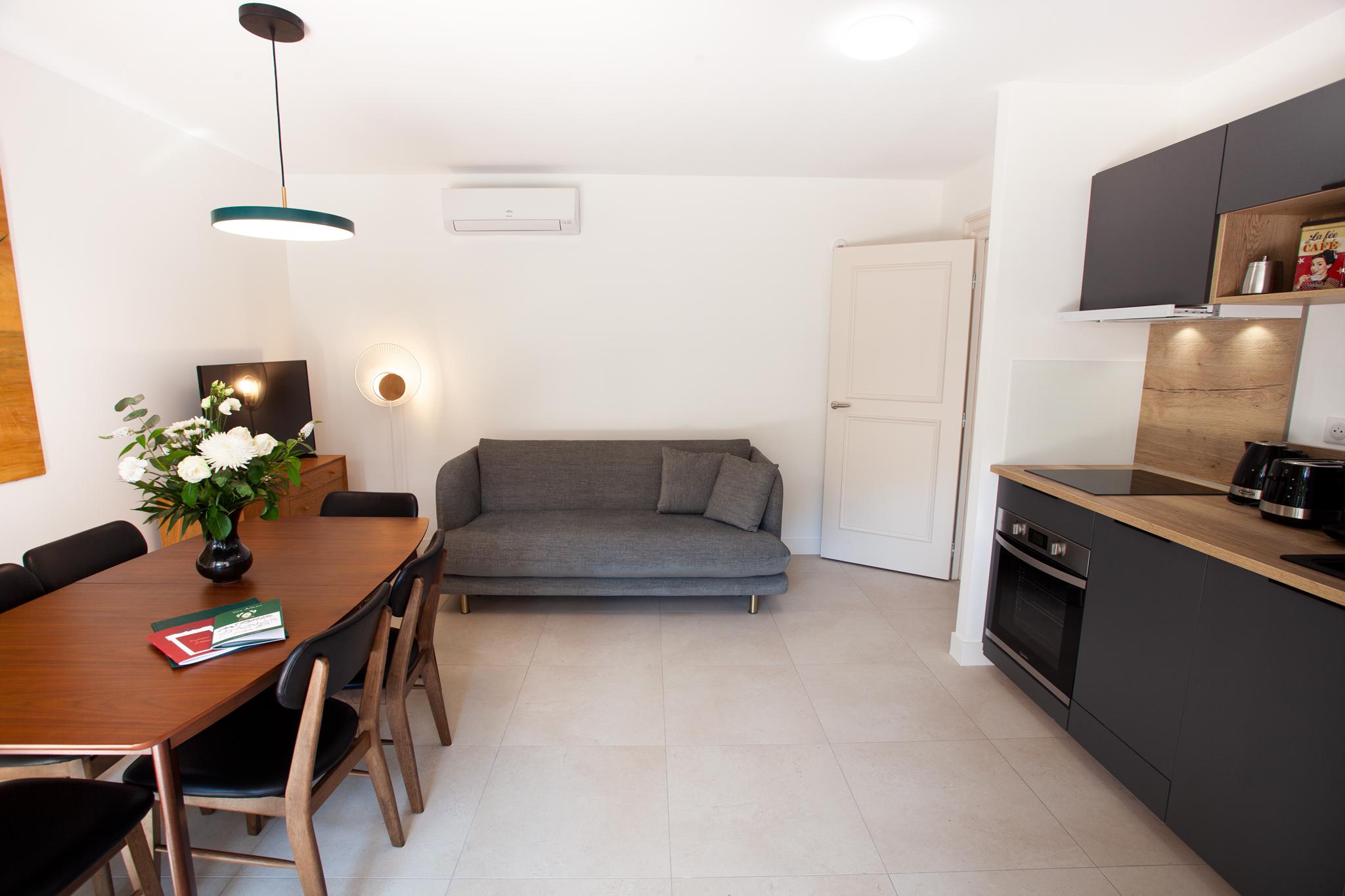 chambre du 3 pièces côté jardin, appartement PMR (Personne à Mobilité Réduite)